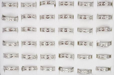 36 RVS Ringen - met Zirkonia Diamanten