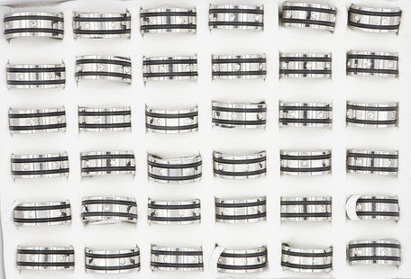 36 RVS Ringen - Zwart met Zirkonia stenen