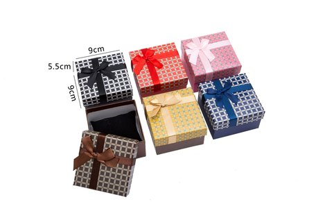 6 pieces Packaging boxes Bracelet or watch 9x9x5.5 cm