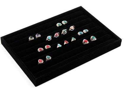 Display Ringen Bak Fluweel Afmeting: 25cm x 35cm